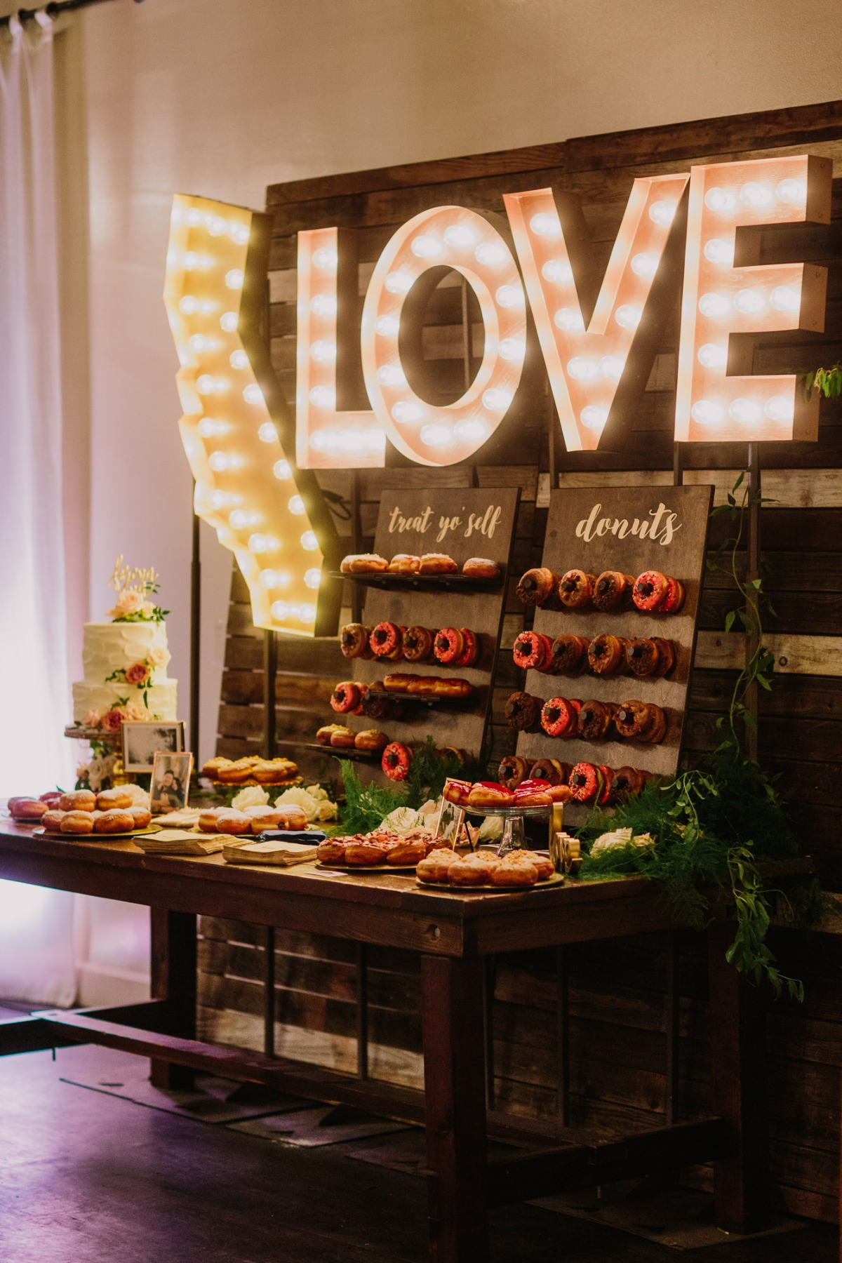 Wedding donuts and cake table