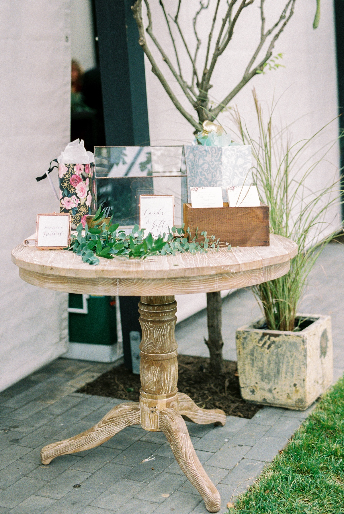 Chic card table