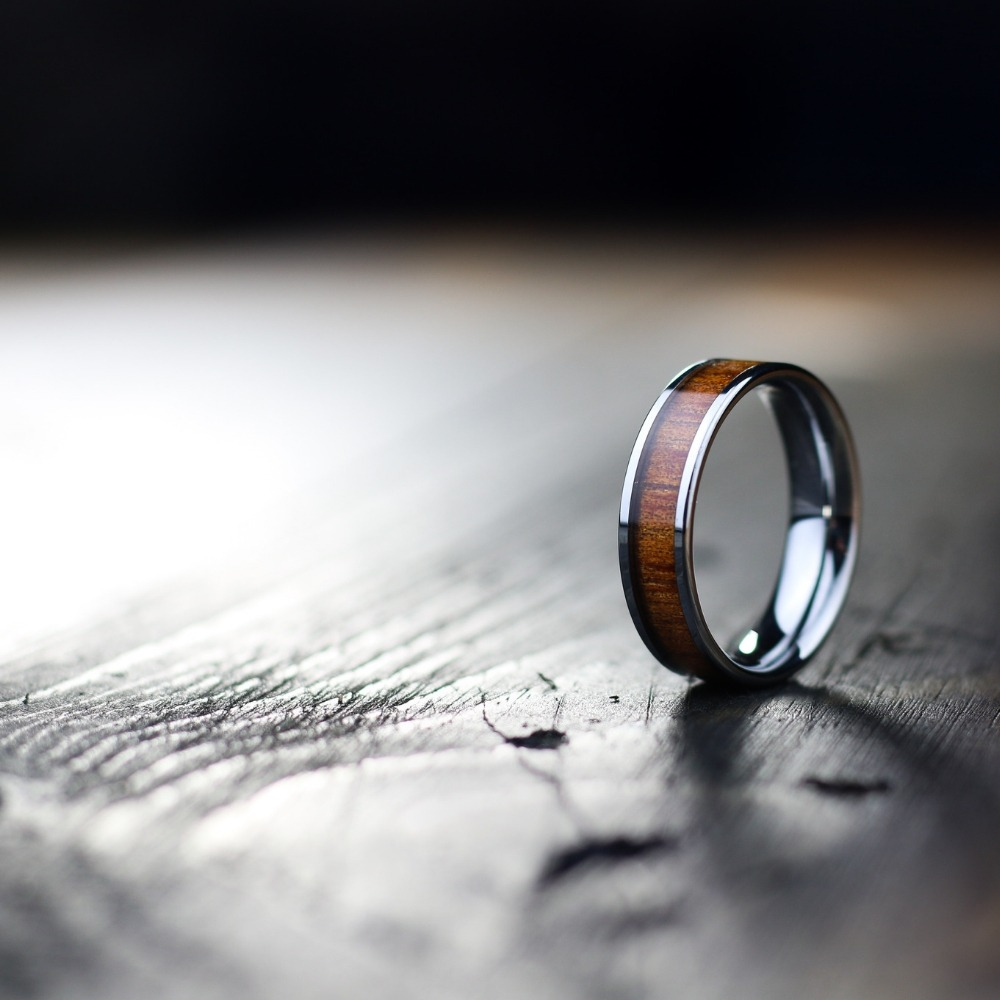 Mens 6mm Silver Wood Wedding Ring. This unique men's wedding ring is crafted out of silver tungsten and inlaid with natural koa wood