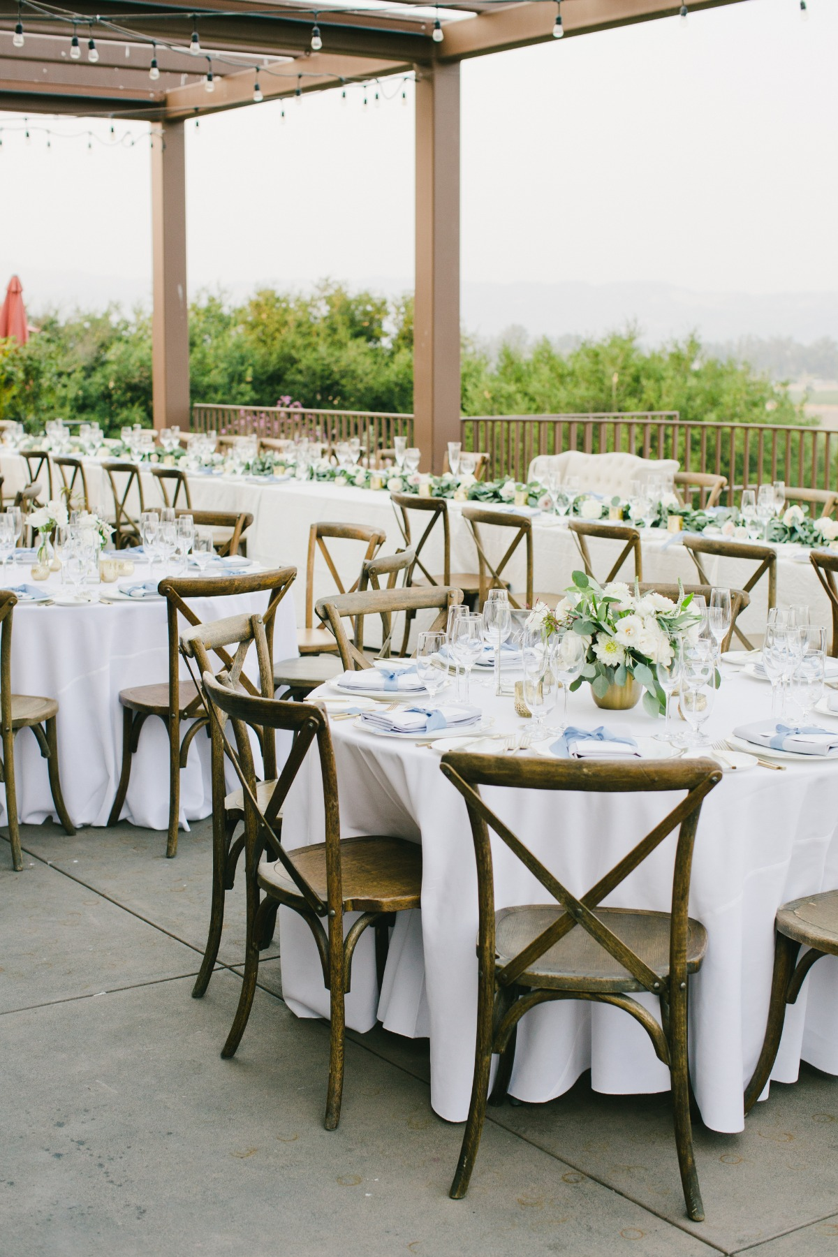 Natural chic wedding reception