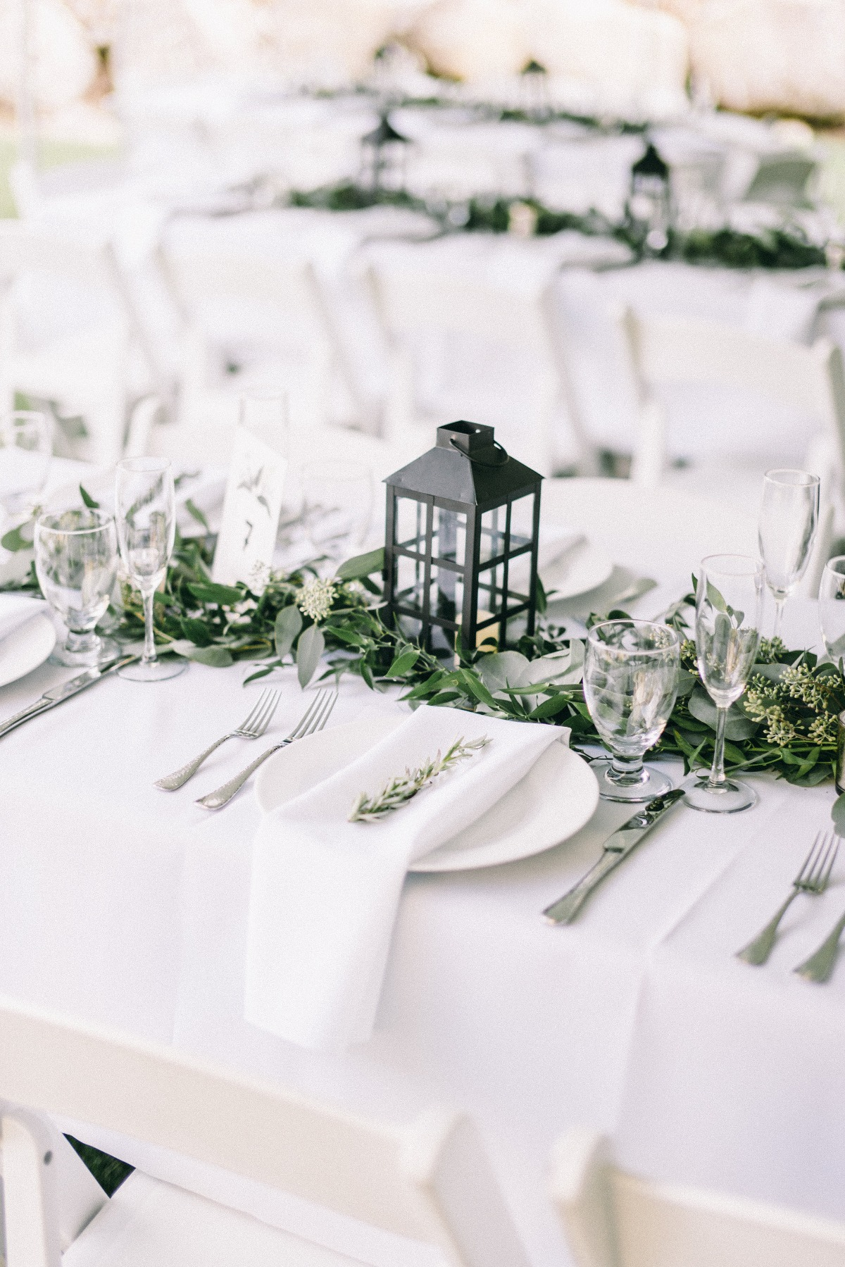 Natural chic reception table