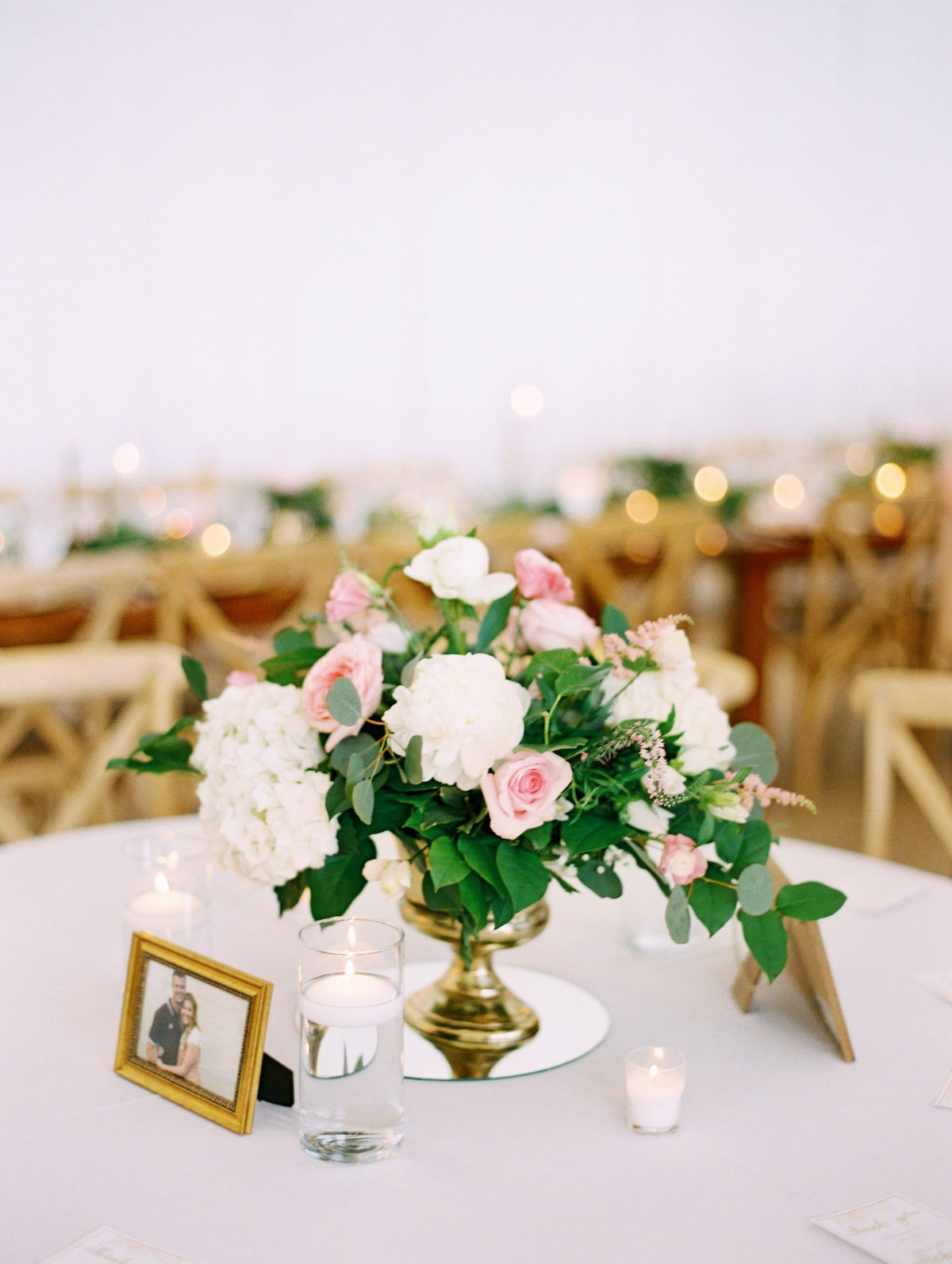 white and pink wedding table centerpiece