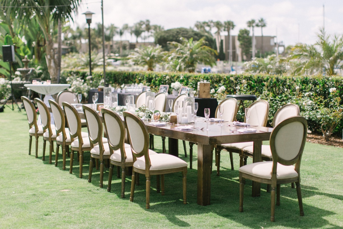 elegant wedding seating