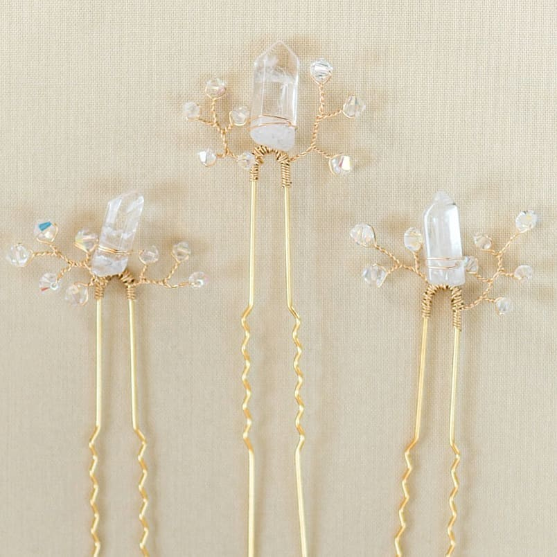 Icicles for days! ❄️ All the snow we got over the weekend in Maryland has us thinking about this custom set of bridal hairpins
