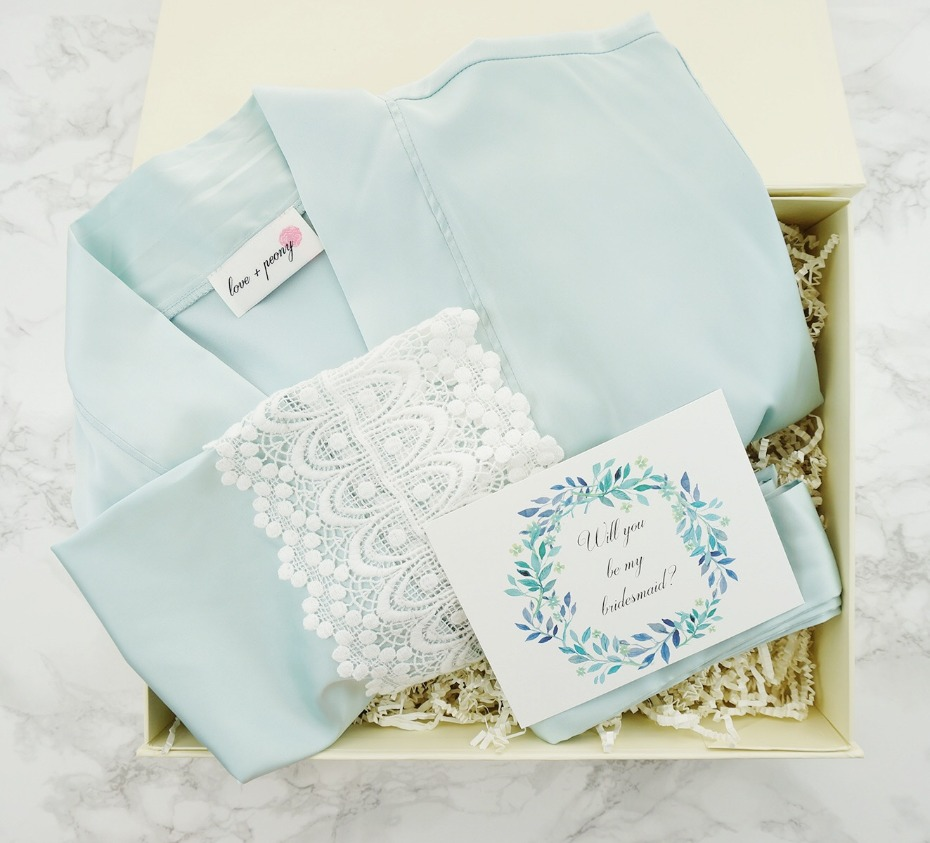 Love+Peony Bridesmaid Robe Gift Box