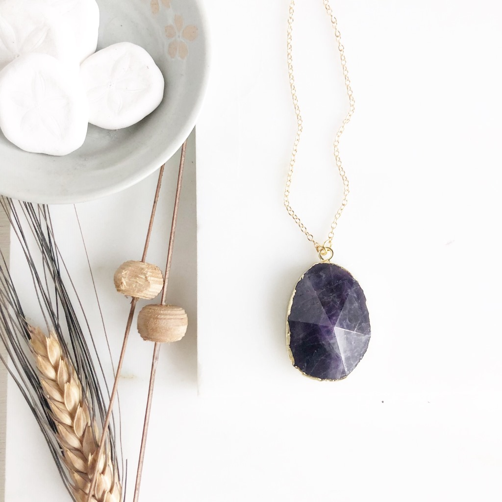 Amethyst Stone Statement Necklace in Gold.