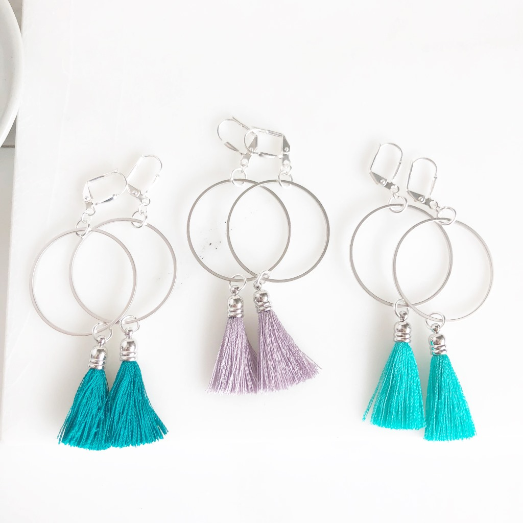 Perfect for the bride that's out-of-the-box! Stunning hoop tassel earrings that would be perfect for any member of the bridal party