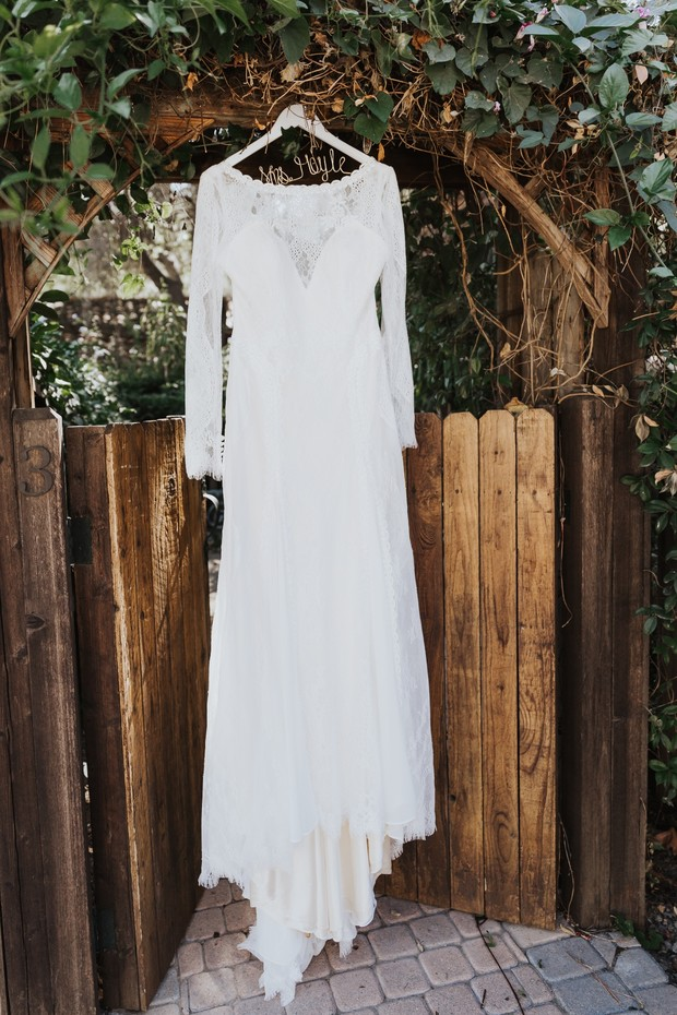 Long sleeve wedding dresss