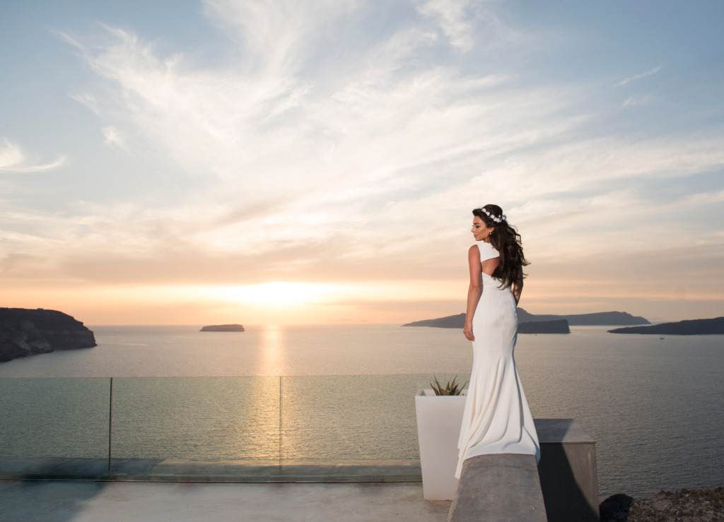 When Ruby and Oliver asked me to shoot their destination wedding in Santorini, my first reaction was to grin from ear to ear. I enjoy
