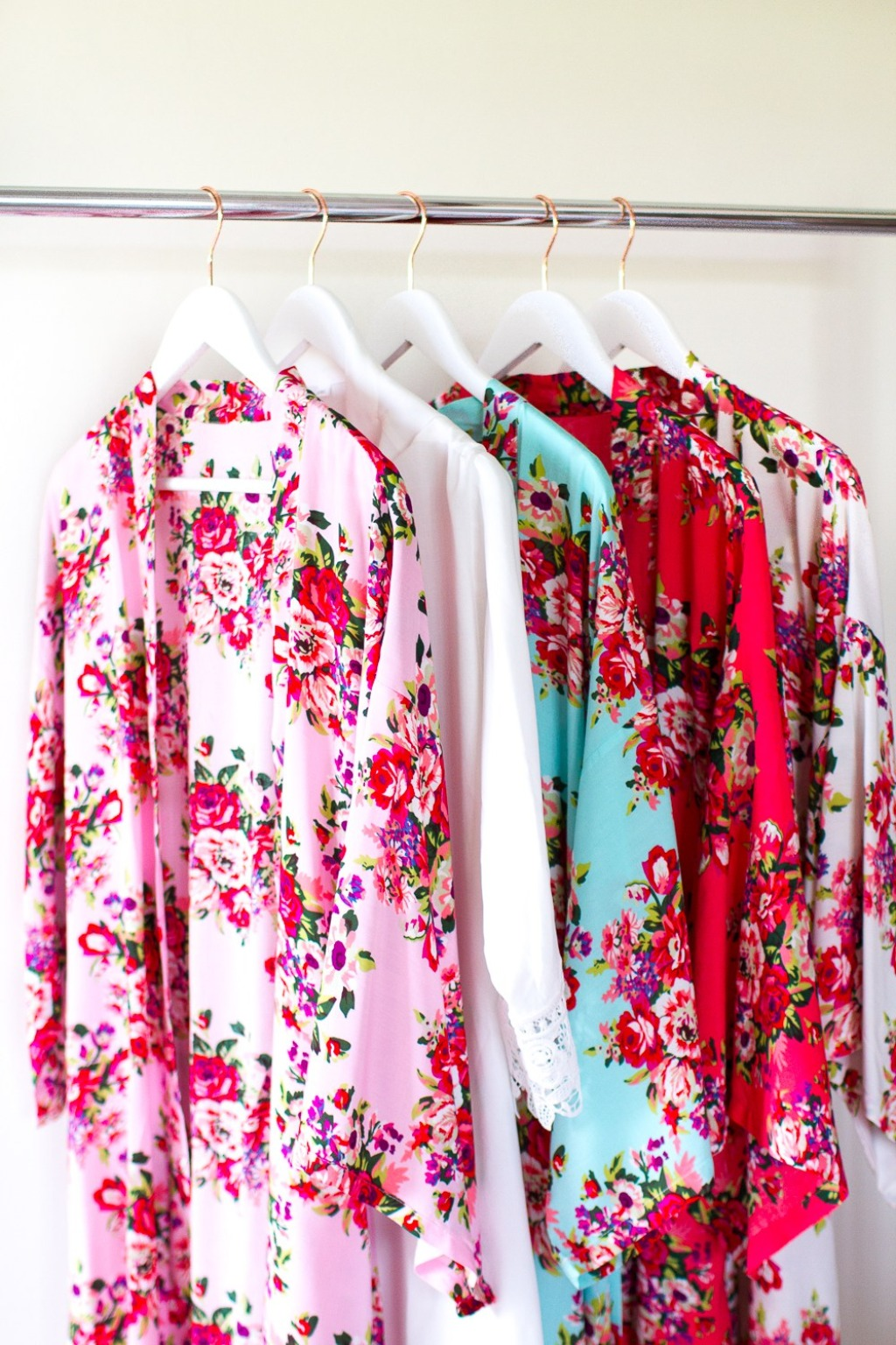 Bridesmaid Robes are a very pretty little addition to the morning of your wedding for you & your Bridal Party. Photographers are