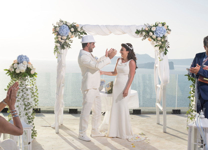 Oliver and Ruby had set a high wedding standard by choosing the stunning island of Santorini. Our team, though, has been created to