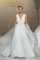 Atelier Pronovias 2015 Bridal Collection