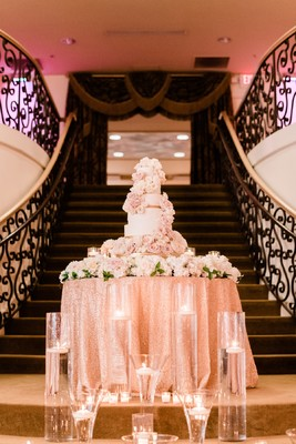A Blush and Gold Wedding That's Gorgeous to The Max