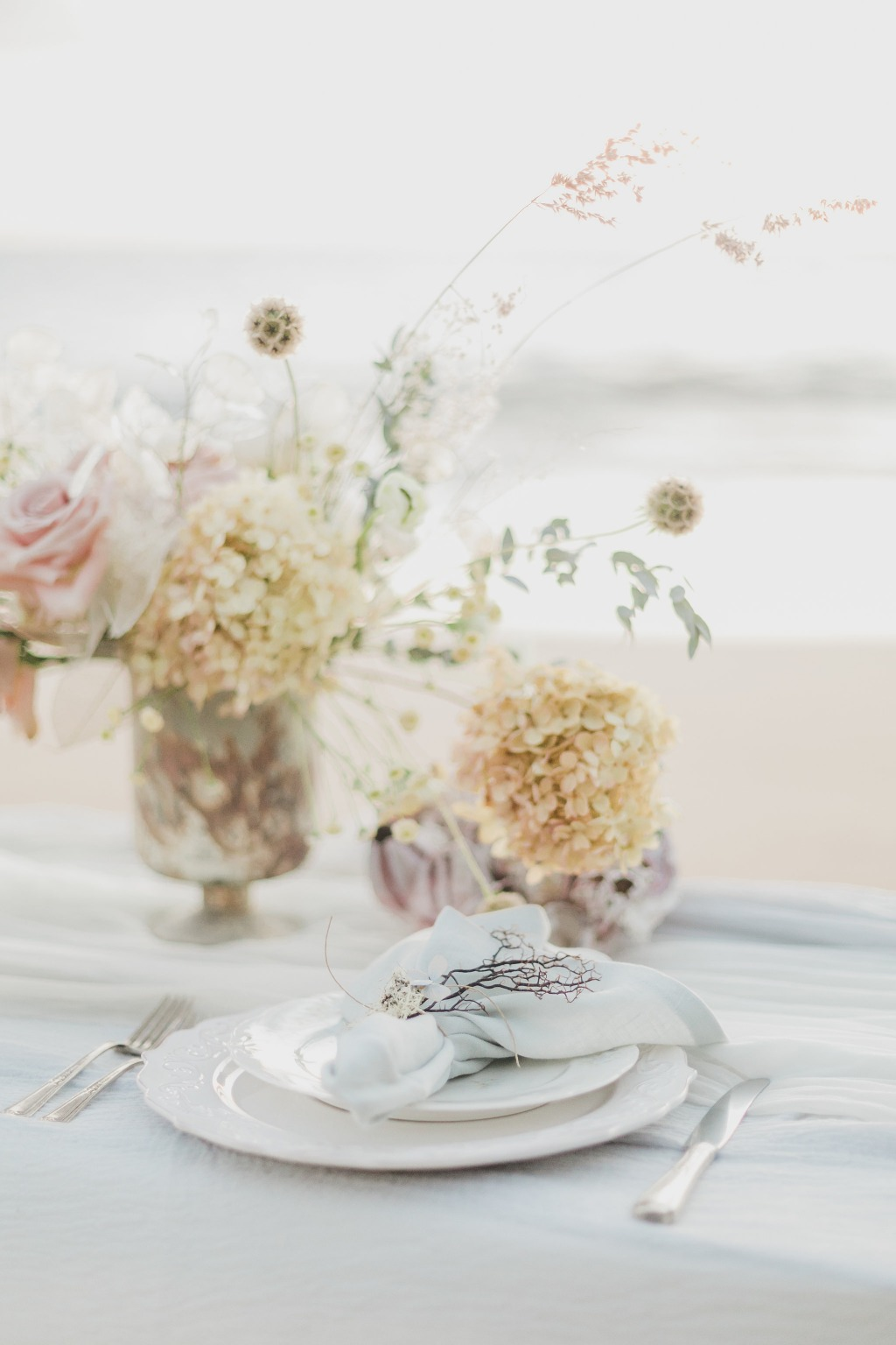 Maui Wedding Photographer | Maui Weddings | Luxury Hawaiian Wedding | Styled Wedding Shoot | Beach Wedding | Botanical Wedding | Garden