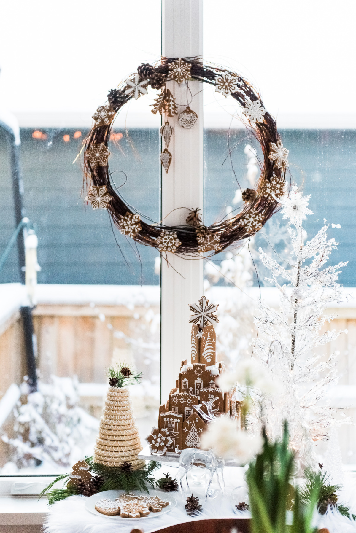 Scandinavian winter wedding dessert table