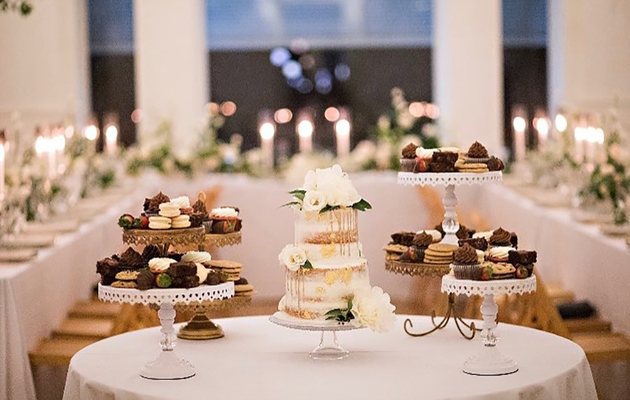 Beautiful Love! Wedding Cake Table by @sweetsforsirten with @opulenttreasures wedding cake stands!