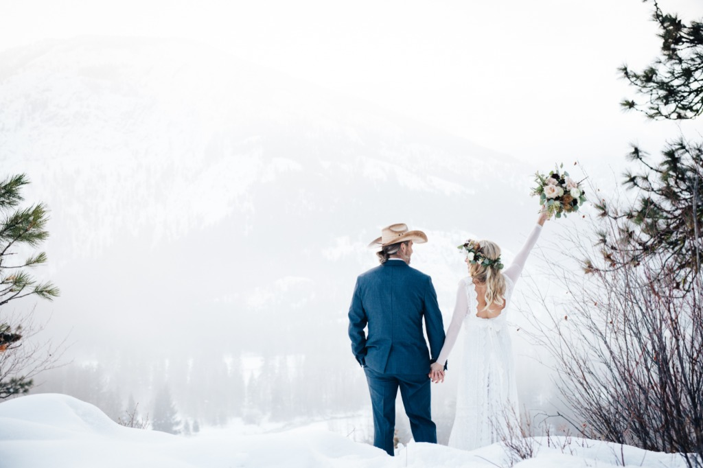 Hayley & Maurice's winter mountaintop elopement is now on the blog!