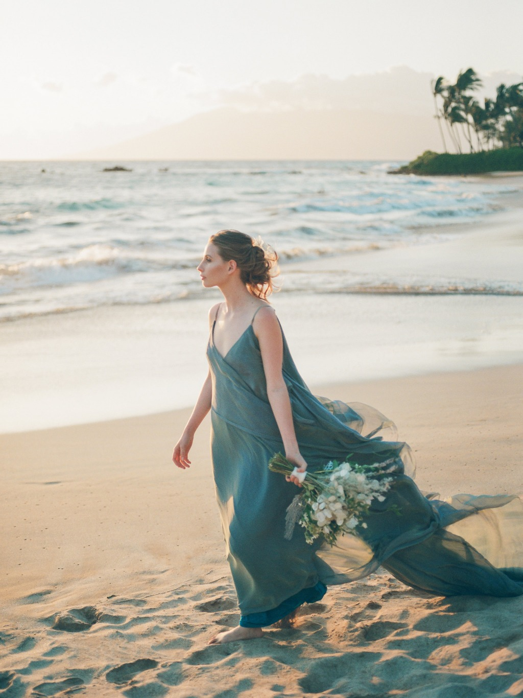 Photo by Caitlin Cathey Photography | Maui Wedding Photographer | Maui Weddings | Luxury Hawaiian Wedding | Styled Wedding Shoot |