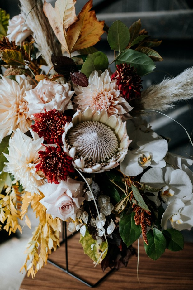 Modern Industrial Wedding Ideas With A Floral Feminine Vibe