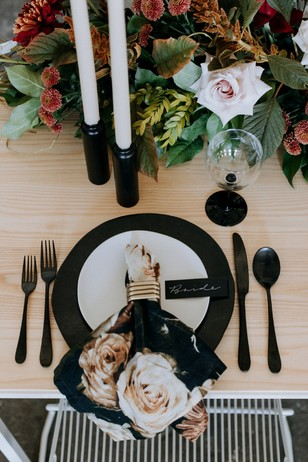 black white and gold modern floral table decor