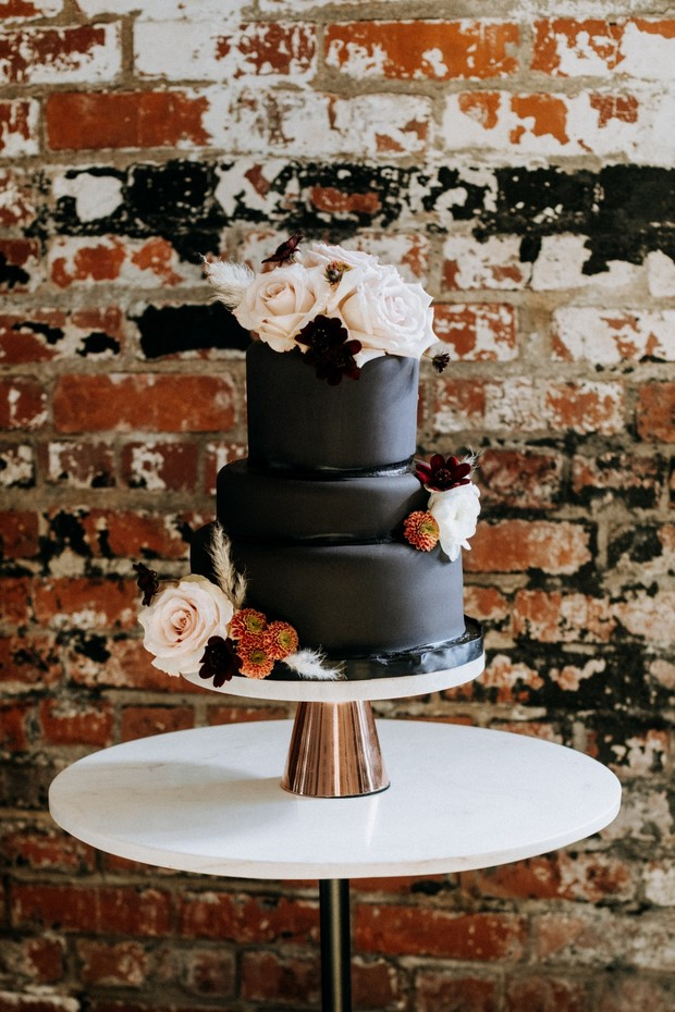matte black wedding cake