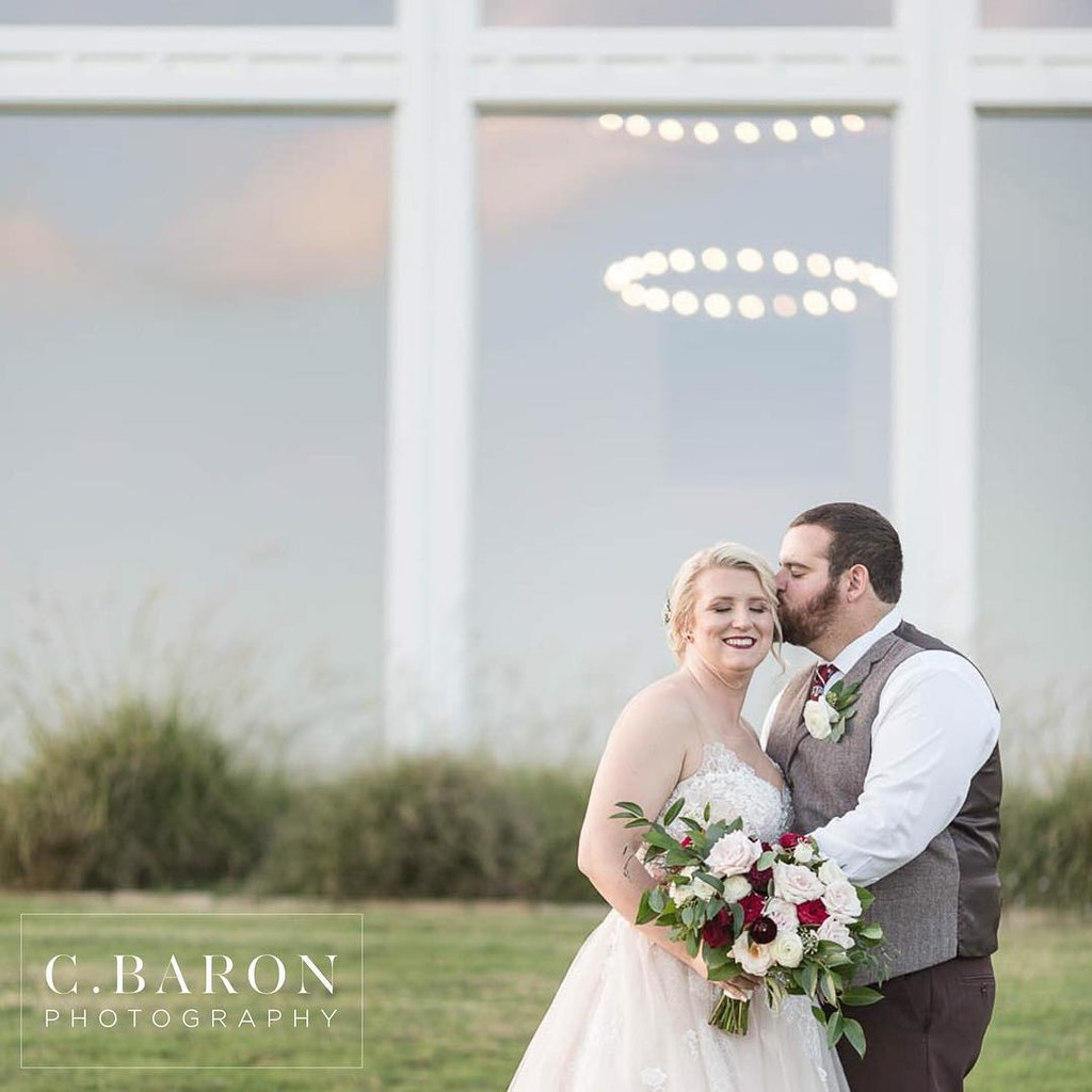 Congratulations to this gorgeous couple!