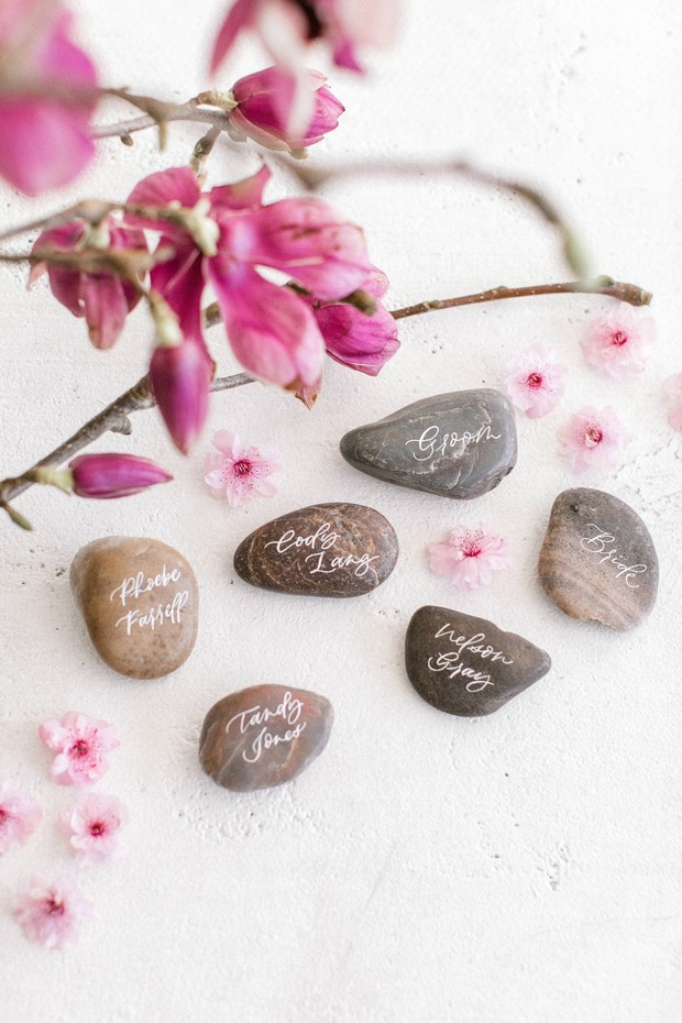 rock place cards idea