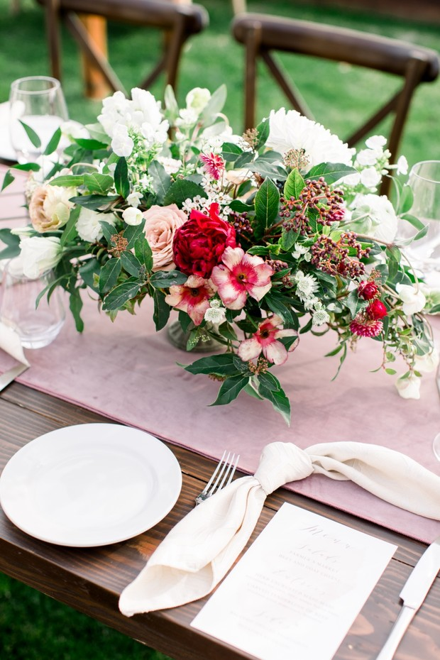 romantic pink wedding table decor