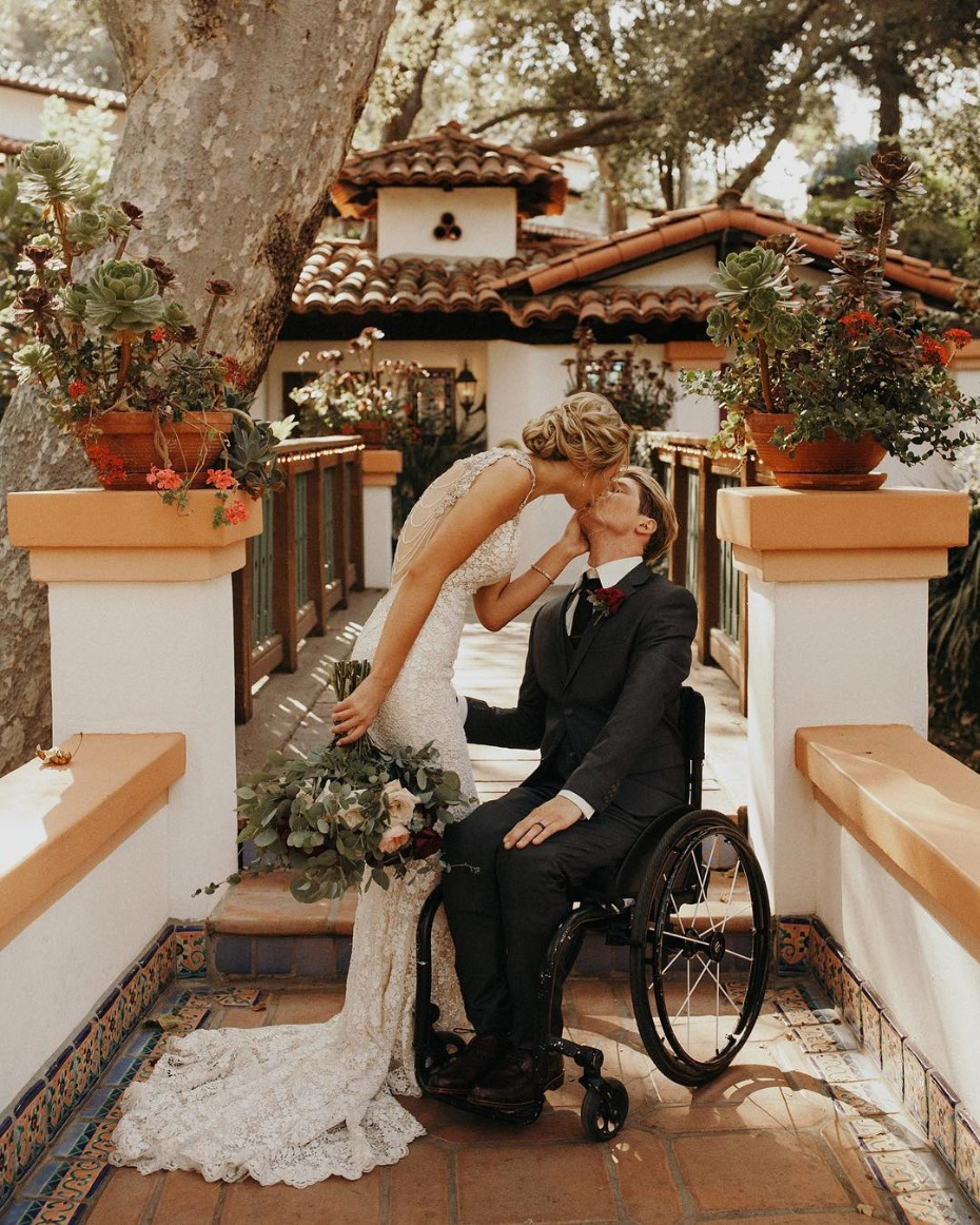 The Most Epic Wedding Kisses We've Seen Lately