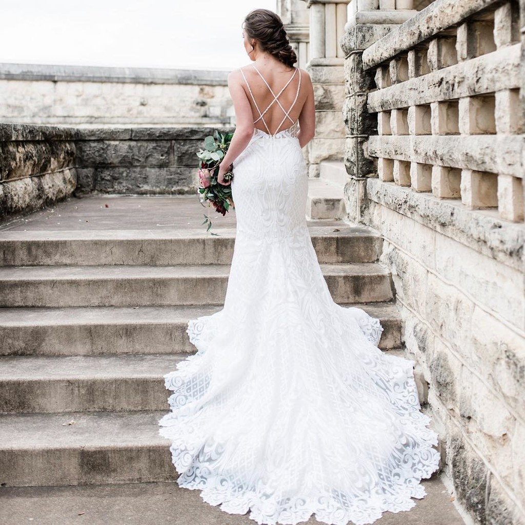 """Here's a little bridal gown inspo for all of the babes who say """"yes"""" today!💍"""