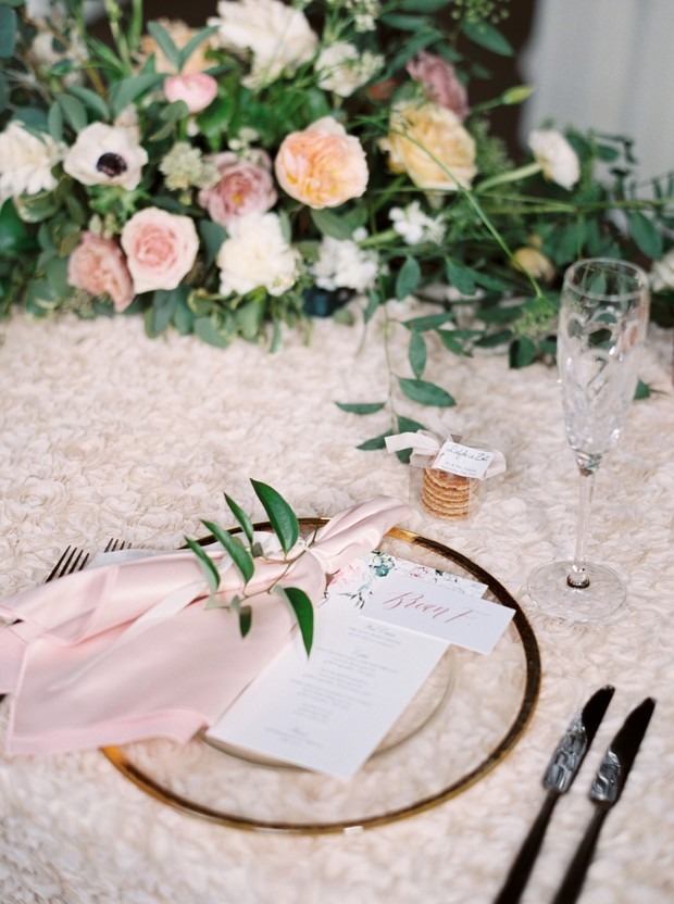 sweetheart table place setting