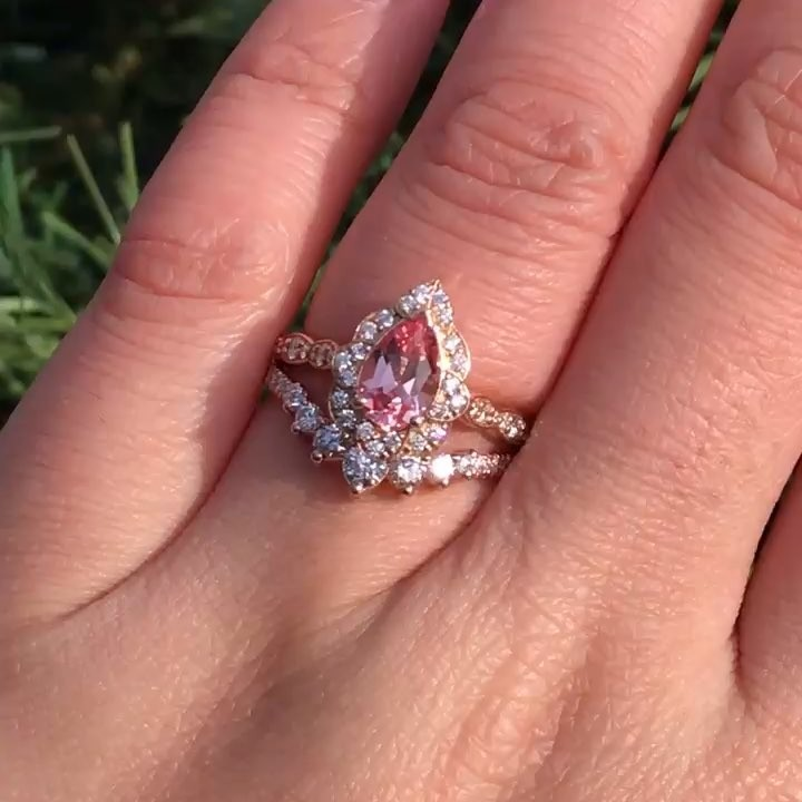 You'd look for the perfect light too if your pink sapphire pear ring 💎🍐
