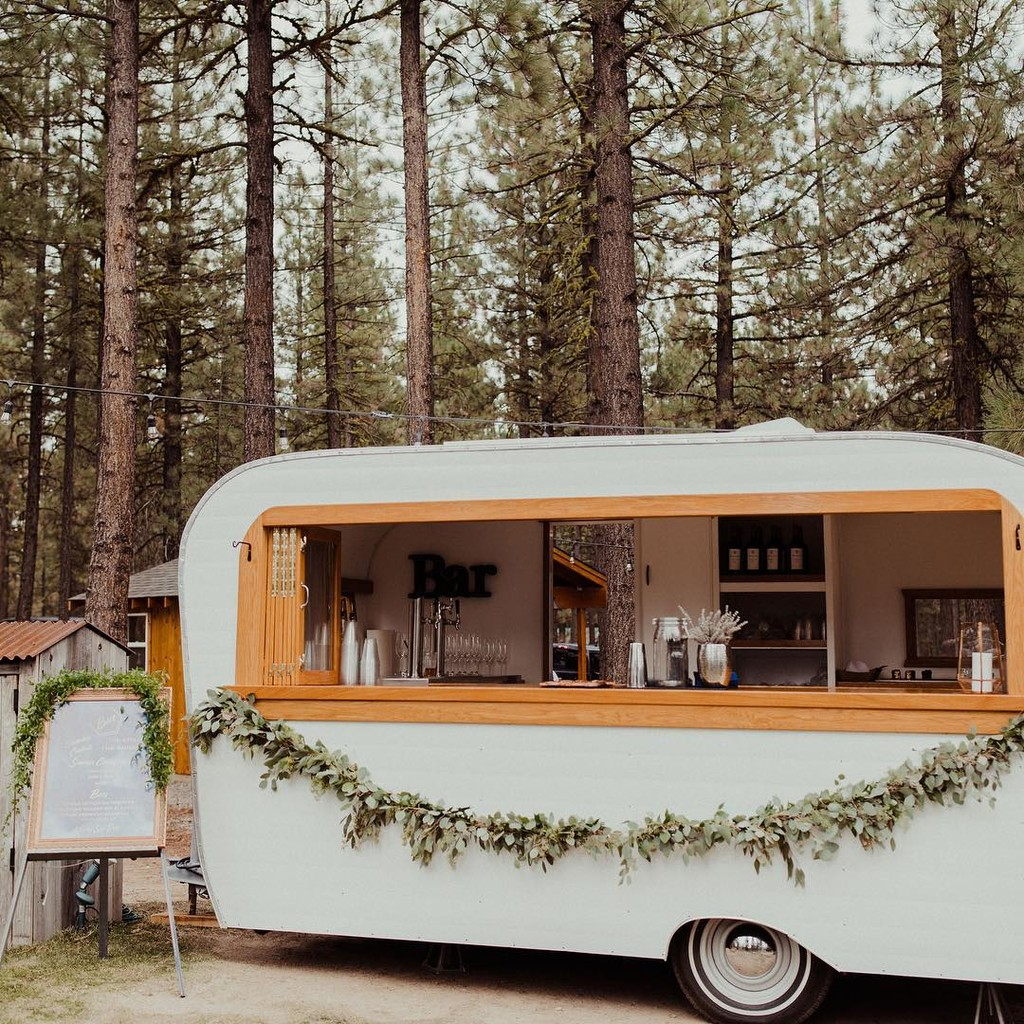 We ♥️ @petite.street ...their presence at your wedding will