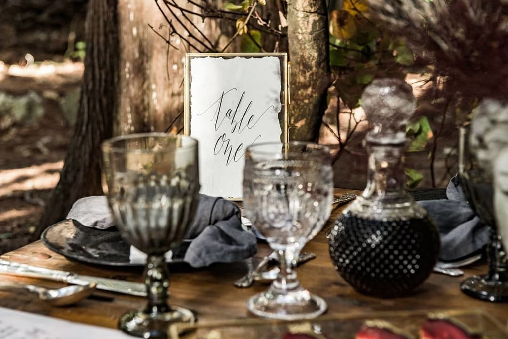 ▪50 shades of grey! Details of art de la table make your special day to stand out.▪ _