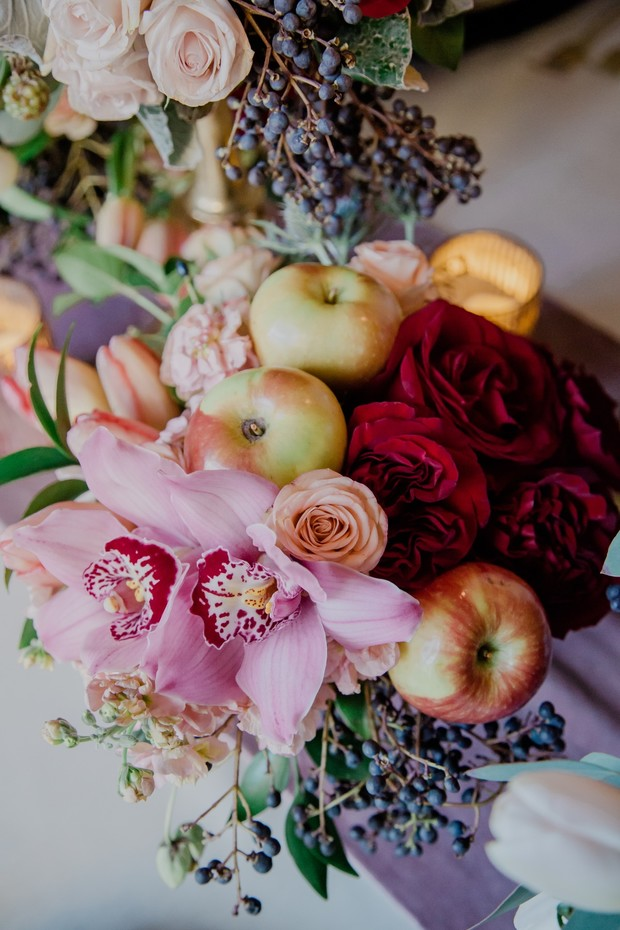 wedding flower and fruit wedding decor