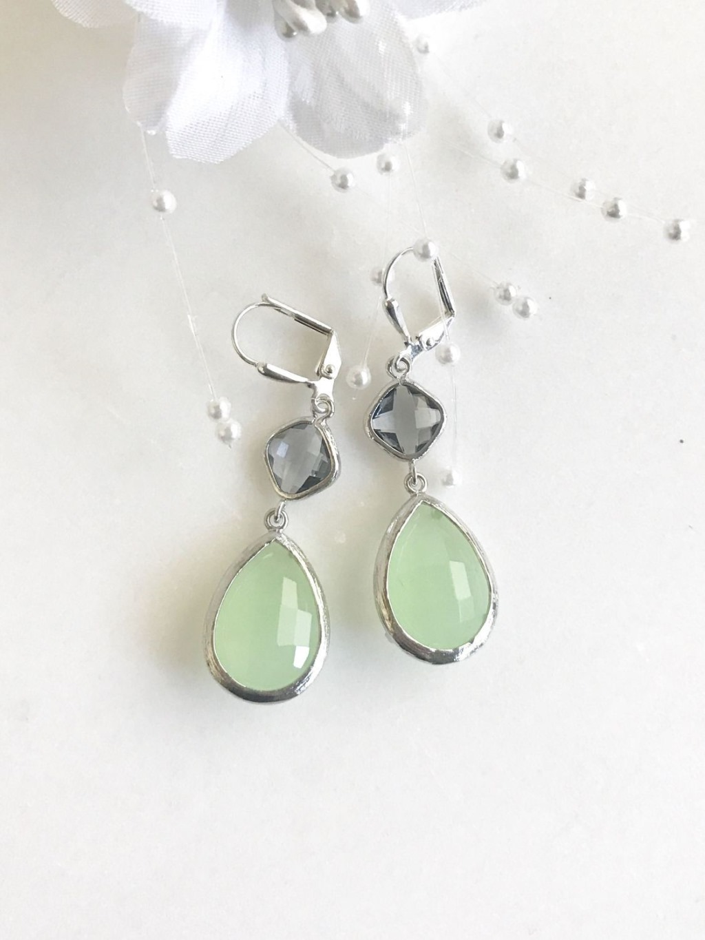 Mint and Charcoal Gray Bridesmaids Earrings in Silver. Mint and Grey Bridesmaids Dangle Earrings. Drop Earrings. Jewelry Gift. Wedding