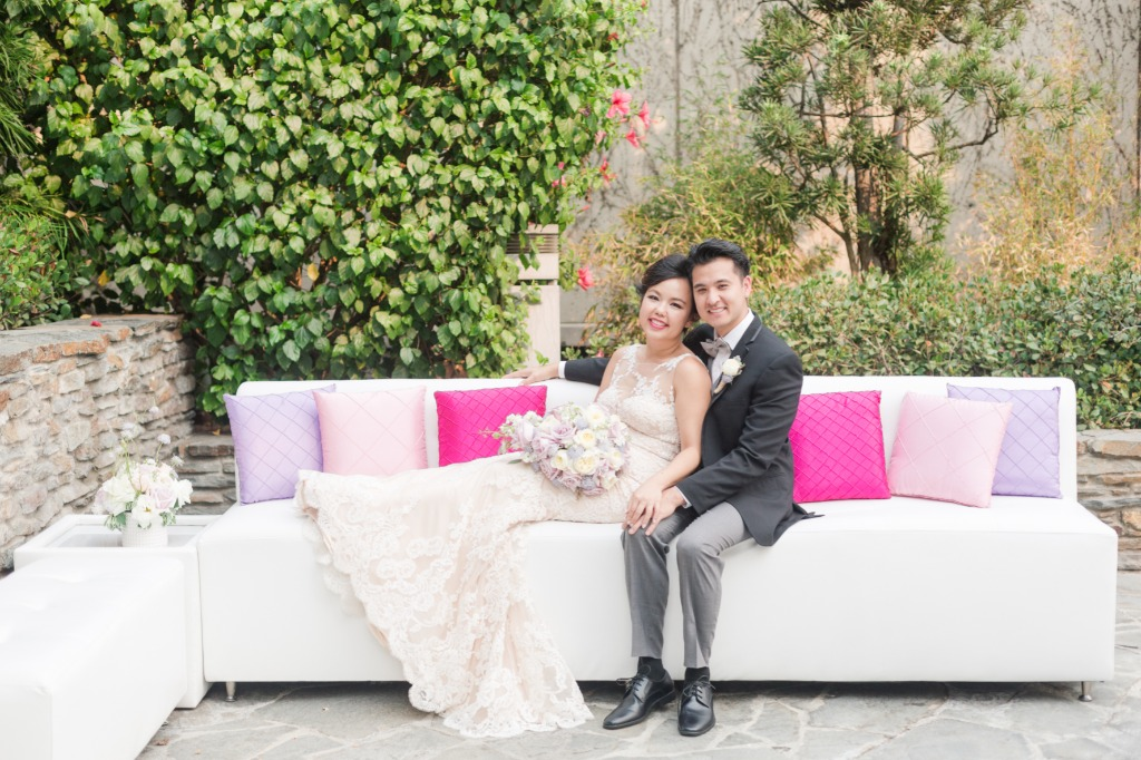 Every couple needs the chance kick back and share some alone time on their special day. This beautiful lounge set up with cushions