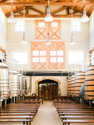 wedding winery barn ceremony