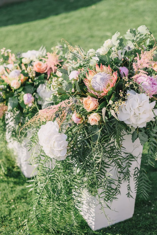 wedding floral decor for your summer wedding ceremony