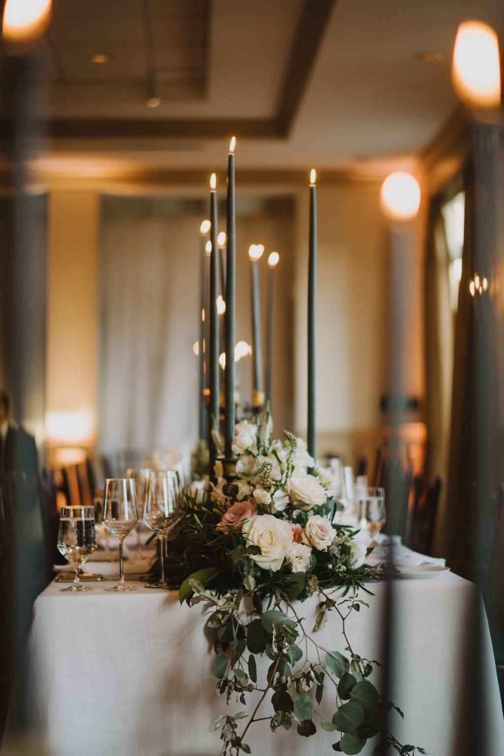 Can't get enough of a tablescape drenched in candles and florals.