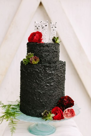 black frosted wedding cake