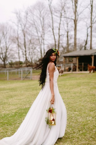 whimsical fall wedding look