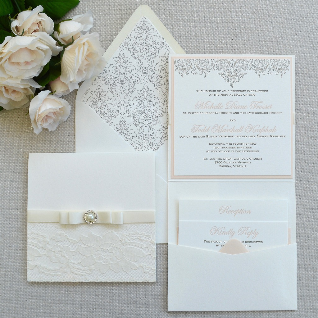 Letterpress printing never gets old. With elegant detailing and romantic fonts, these invites are simply classic and timeless. ⁣
