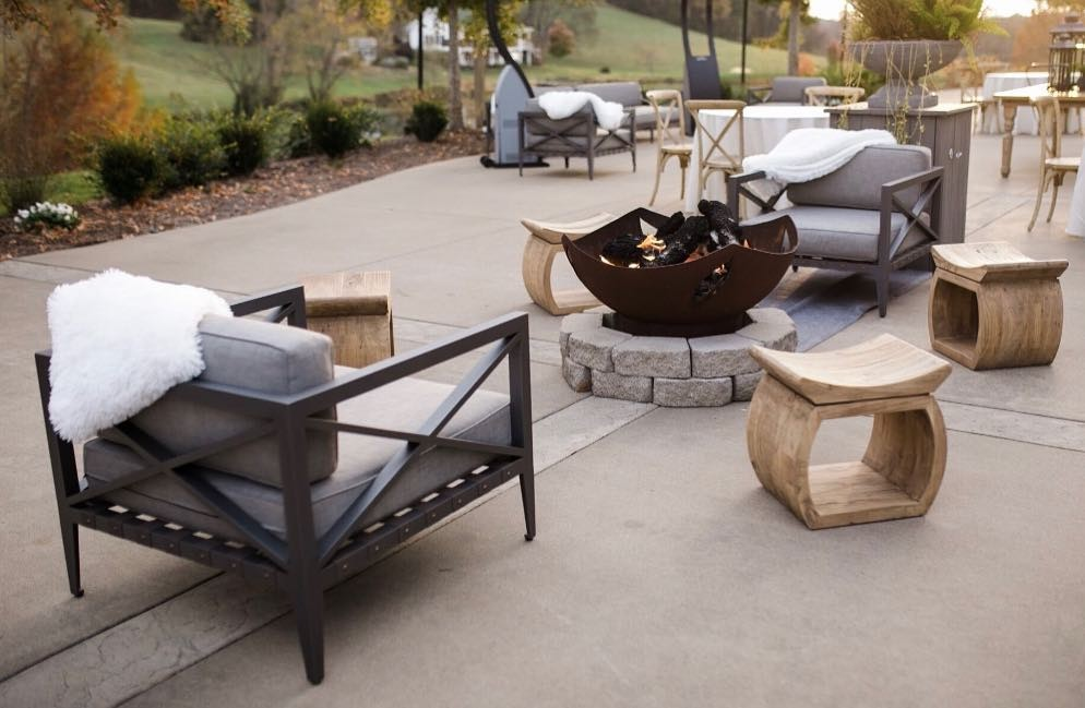 These fuzzy blankets and warm fire pits sure make for a cozy cocktail hour! .