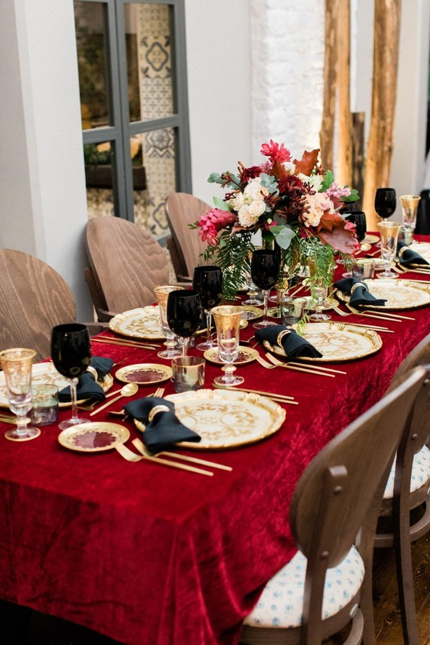 red velvet and gold wedding table decor