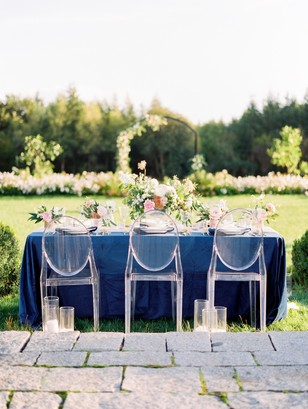 blue and pink wedding table decor