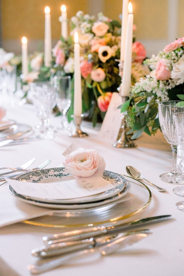 romantic and elegant wedding table decor