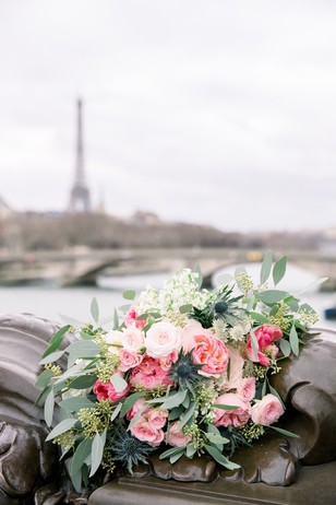 pink wedding bouquet in Paris