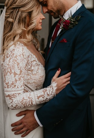 lacy long sleeve wedding dress