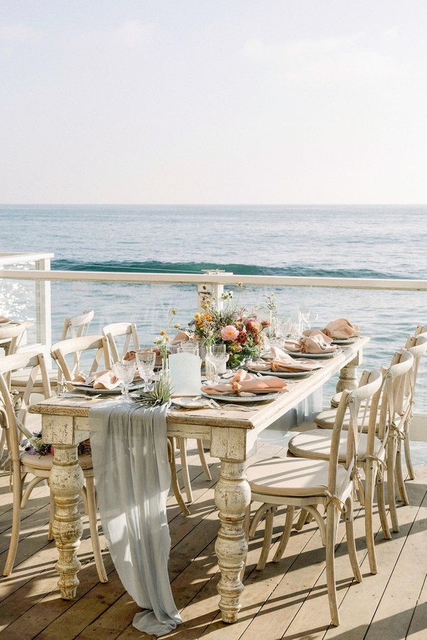 beach themed wedding table decor